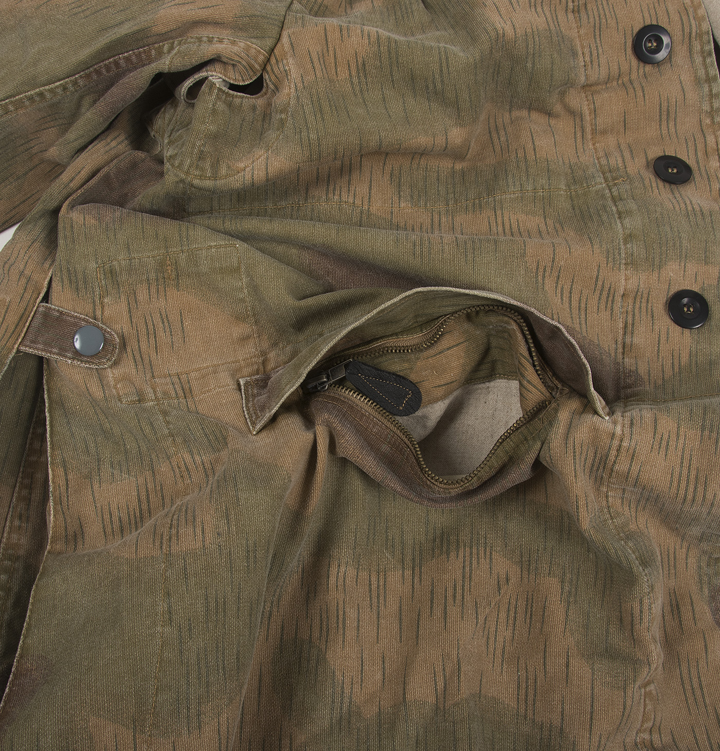 0179661a79da3 Reproduction Fallschirmjäger smck by Miltec. The Marsh pattern jackets  appeared late in 1943 and became common after D-day. They were issued  throughout the ...